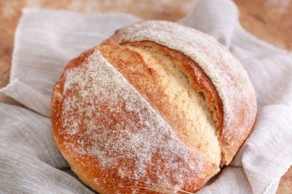 Простой хлеб на дрожжах