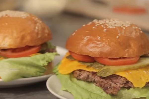 Соковитий гамбургер