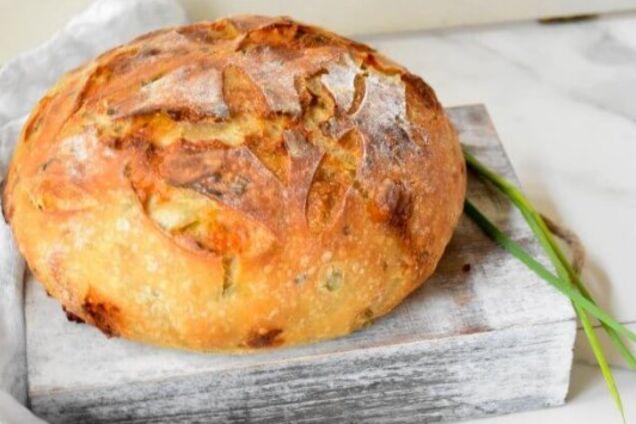 Цибулевий хліб в мультиварці