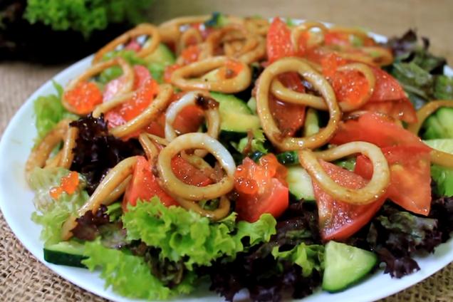 Салат з кальмарами та овочами