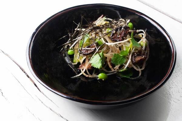 Салат с дайконом и грибами