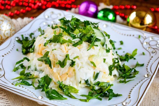 Салат с дайконом и свежим огурцом