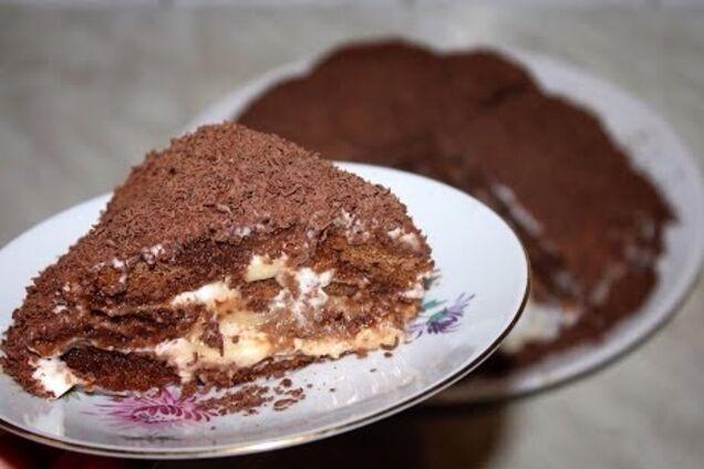 Банановий торт без випічки з пряників