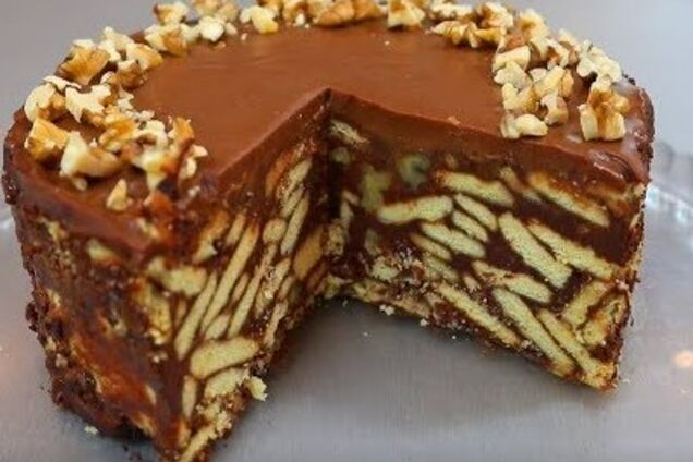 Шоколадний торт без випічки з печива