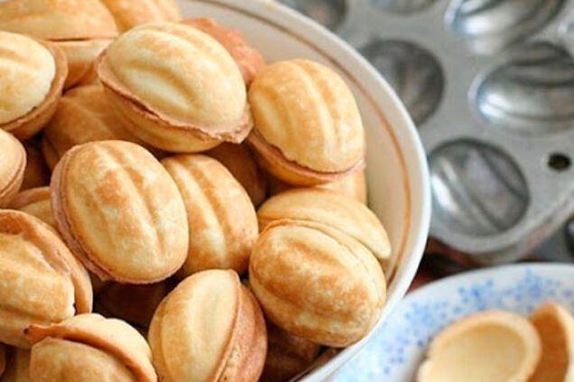 Классические орешки с начинкой