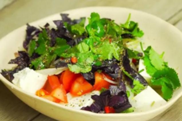 Салат з адигейським сиром