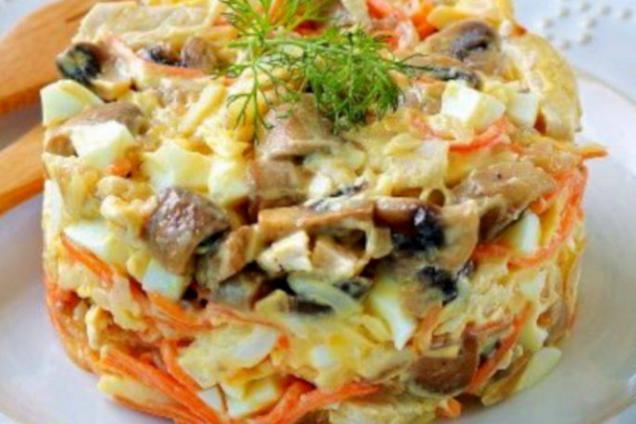 Салат з корейською морквою та куркою