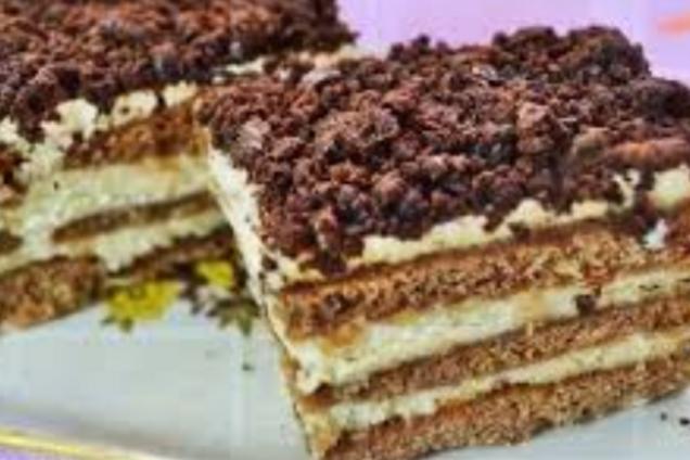 Торт з пряників зі сметанним кремом