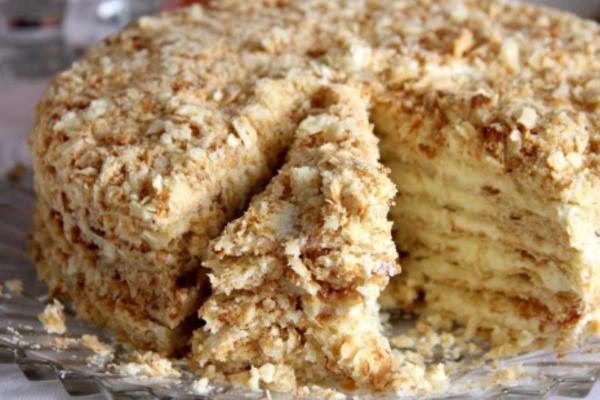Торт з печива ''Вушка'' зі сметаною