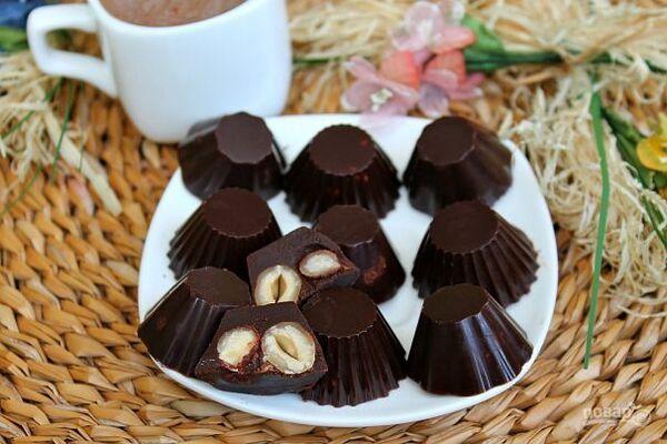 Шоколадні цукерки з горіхами