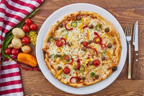 Проста дріжджова піца