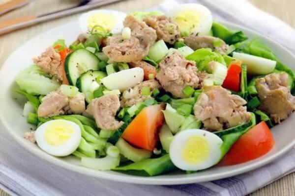 Салат з печінки тріски з авокадо