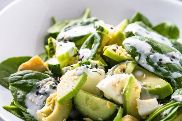 Салат з авокадо з огірком