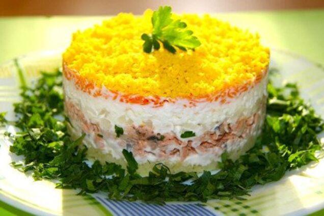 Салат з корейською морквою і птицею