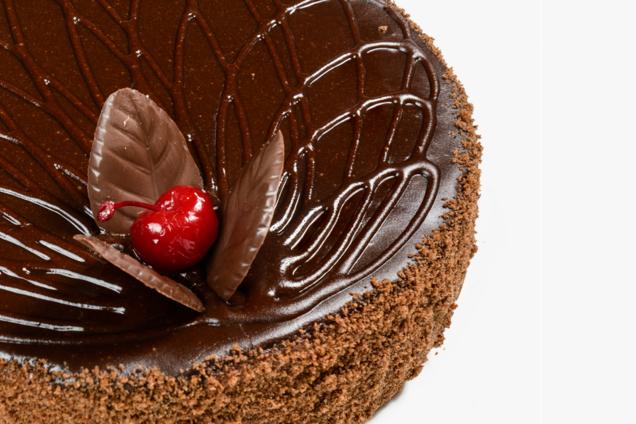''Пражский'' торт с вишней