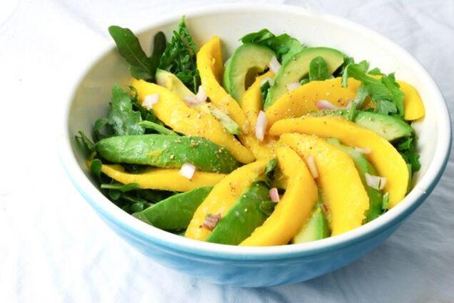 Салат з манго і авокадо