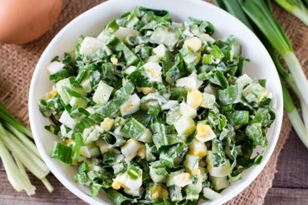 Салат с черемшой и плавленым сыром
