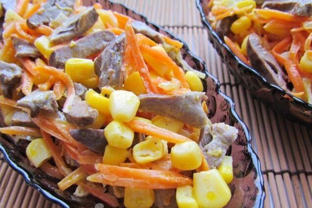 Салат из куриных сердечек с кукурузой