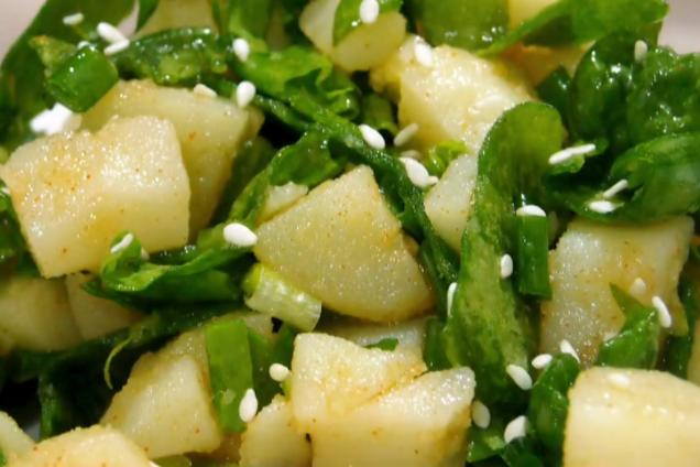 Салат з черемшею та картоплею