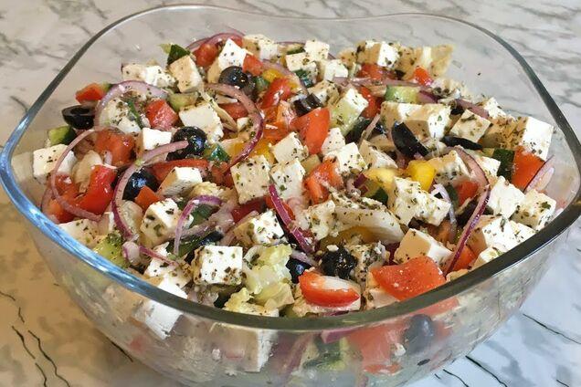 Грецький салат з пекінською капустою
