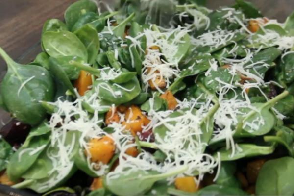 Салат з запеченого гарбуза з сиром