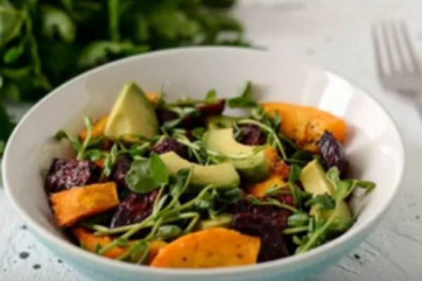 Салат з гарбузом і авокадо