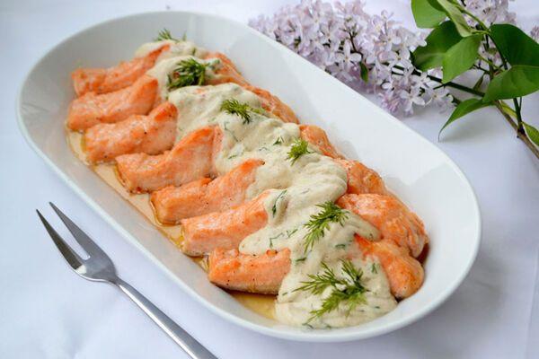 Риба під білим соусом