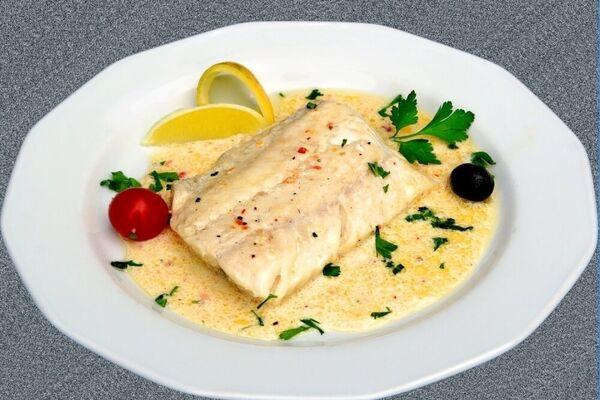 Риба запечена під молочним соусом
