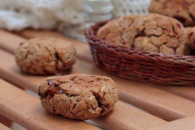 Постное овсяное печенье с финиками