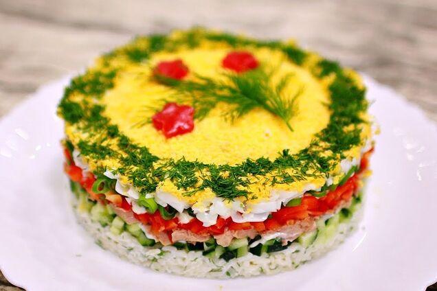 Салат із печінки тріски з рисом