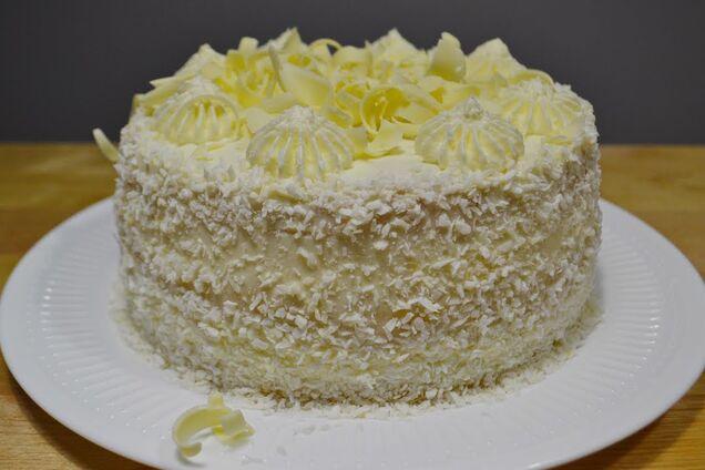 Торт з консервованими ананасами