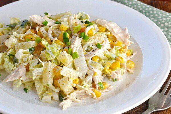 Салат із пекінською капустою й ананасом