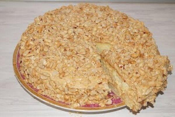 Торт з арахісом