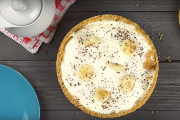 Торт з печива з бананом на швидку руку