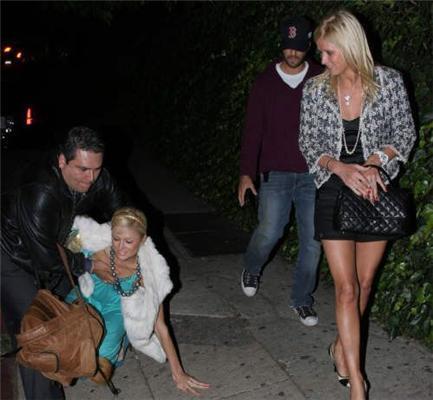 П'яна Paris Hilton