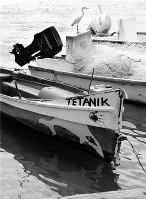 Ди Каприо не утонул. Его нашли и воспитали рыбаки...