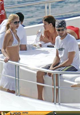 Курнікова з Іглесіасом на яхті