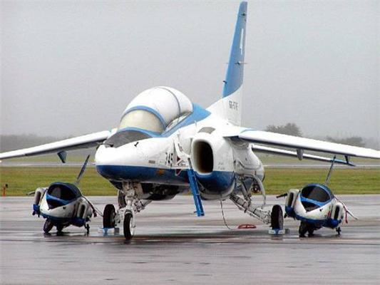 Президентский самолет. С эскортом