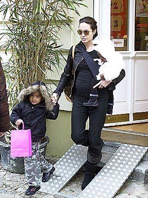 Анджелина Джоли обновляет гардероб