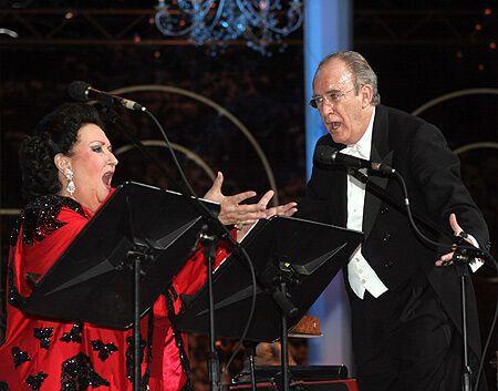 Диригент замахнувся на примадонну прямо на сцені!