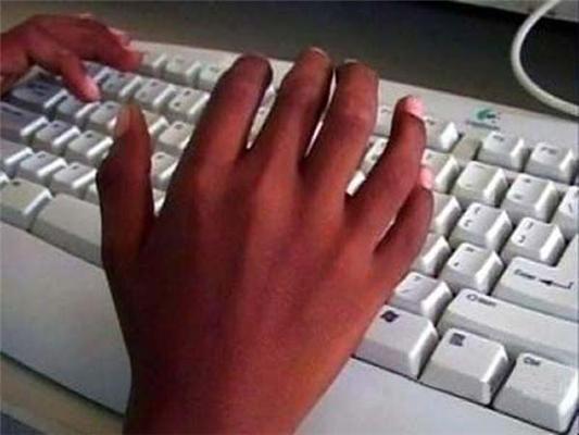 Довго сидите за комп'ютером? З'явиться шостий палець!