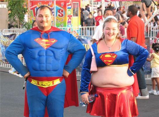 """Позитив дня. Супервумен, самка и """"Перье"""" в трусах. ФОТО"""