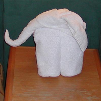 Як зробити слоника з рушників. Здивуємо покоївку! ФОТО