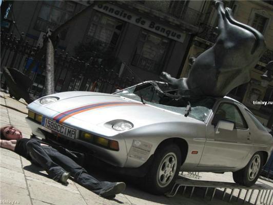 Як корова на Porsche впала. АвтоОБОЗ на замітку. ФОТО