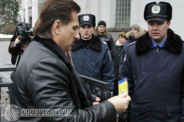 """Депутатські """"коробчонка"""", або Як депутати у ВР збиралися"""