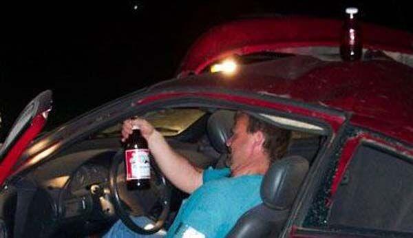 Не пийте за кермом. Розбився і не останавлівается.Жесть. ФОТО