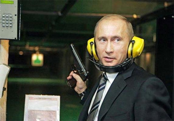 ЭТИ ФОТО ЗАПРЕЩЕНЫ В РОССИИ! Телка сосет у Путина и глотает!