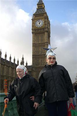 Верка Сердючка «сделала» английскую королеву