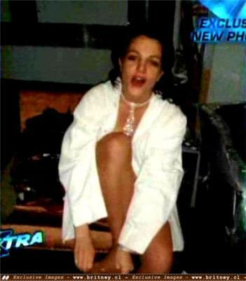 Брітні Спірс роздяглася в клубі до трусів