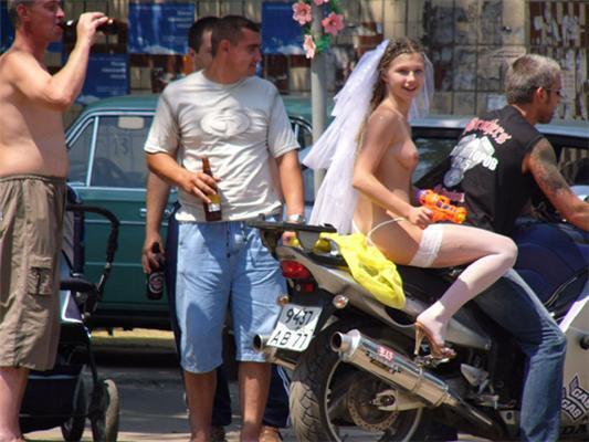 Українське весілля байкерів. Цікавий наряд. НЮ